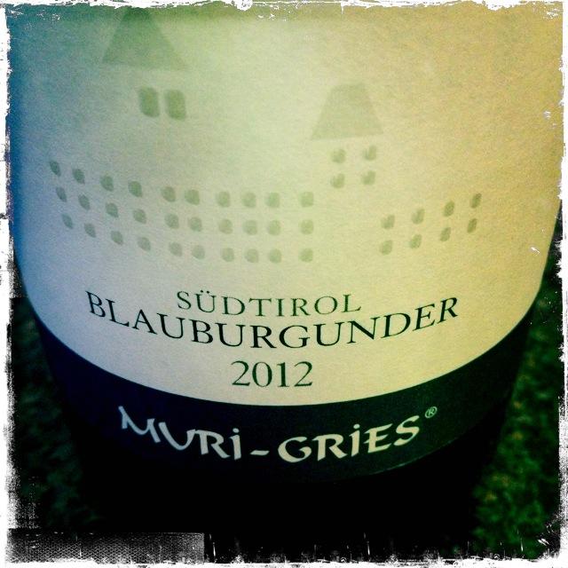 WeingeniesserCH_AbteiMuri-Gries_Blauburgunder2012